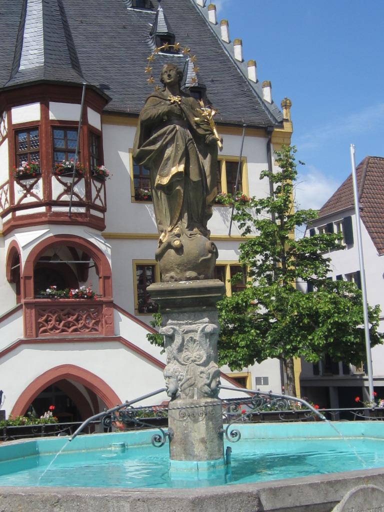 Volkach, Rathaus am Marktplatz