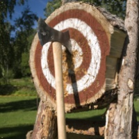 Axtwerfen bei Leipzig: Wie einst die wilden Wikinger, so werden auch Sie zum Herrscher über die Axt