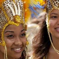 Karneval in Rio de Janeiro besuchen und einen Platz auf dem Sambadrome sichern
